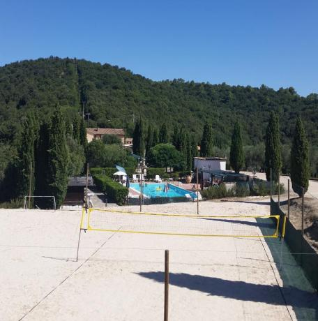 Agriturismo con Piscina e Campo Beach Volley Umbria