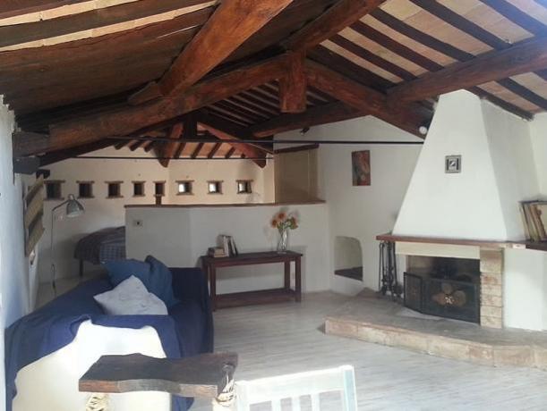 Salone con Camino bilo Piccionaia