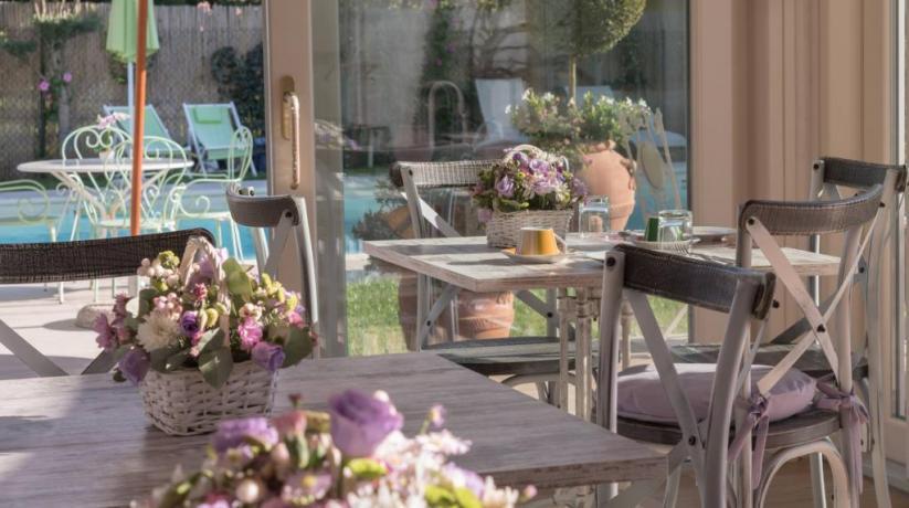 Area colazioni in Veranda