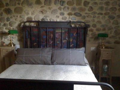 Testata in ferro battuto stone room