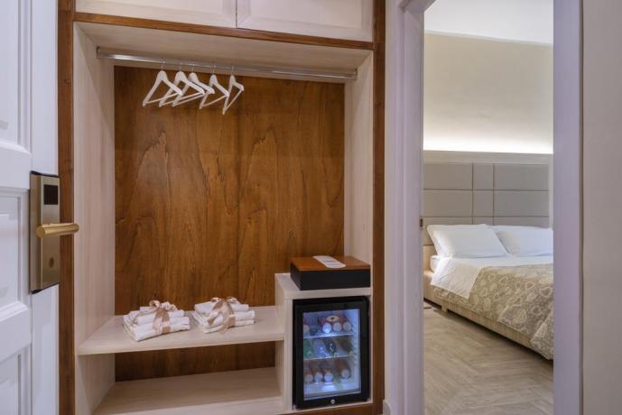 Appartamento con Frigo bar e cassaforte