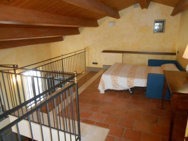 Appartamenti vacanza, soppalco ammobiliato, vicino Assisi