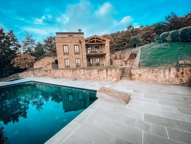 Umbria Villa con piscina, jacuzzi Lago Trasimeno