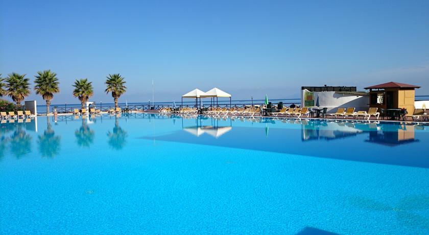Piscina Esterna Hotel3Stelle Patti Sicilia Messina