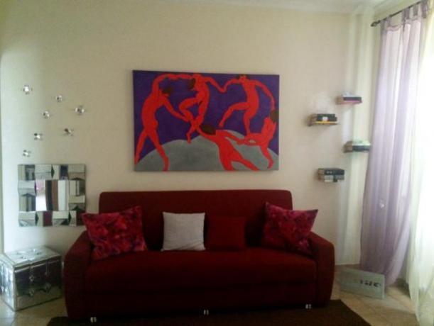 soggiorno con divano letto appartamento a Roma
