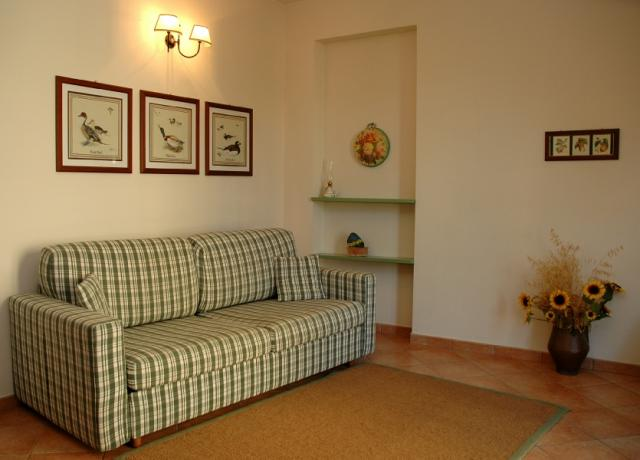 Divano letto in Soggiorno appartamento vacanza Bilocale