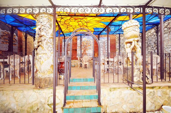 """Hotel ad Alcamo, con portico """"della conca d'Oro"""""""