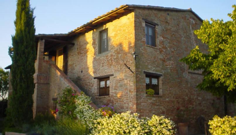 Tipico Casale in muratura a Castiglione del Lago