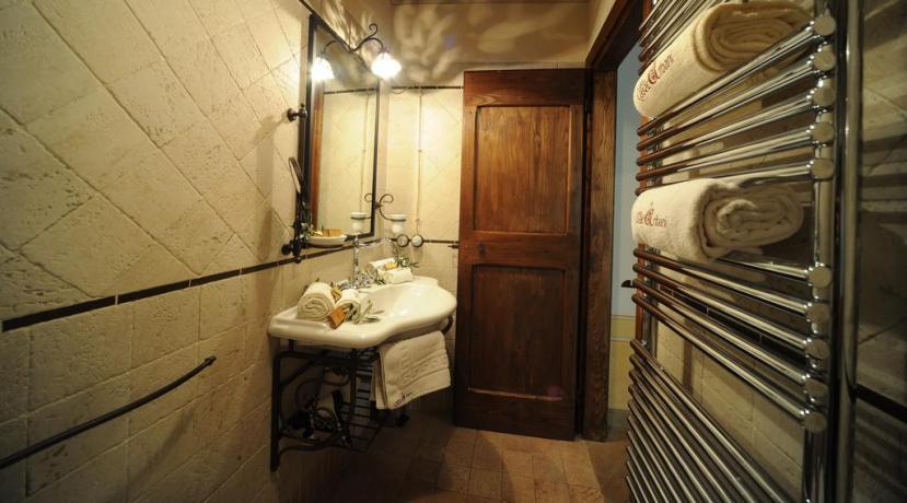 Bagno attrezzato in Camera Antica Residenza