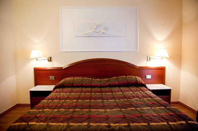 Camera-matrimoniale Hotel 3 stelle con piscina coperta