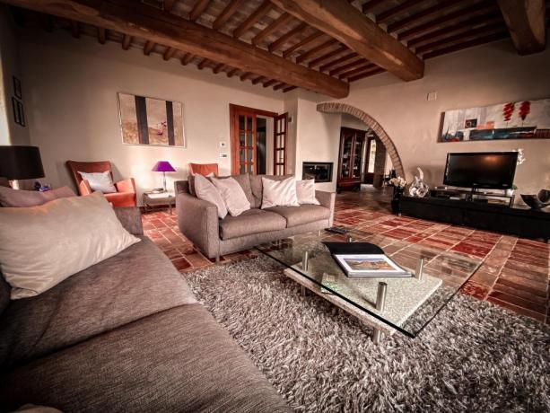 Villa vacanze affitto con zona living Lago Trasimeno