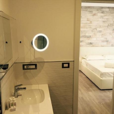 Camere con docce idromassaggio, vasca idromassaggio a Sorrento