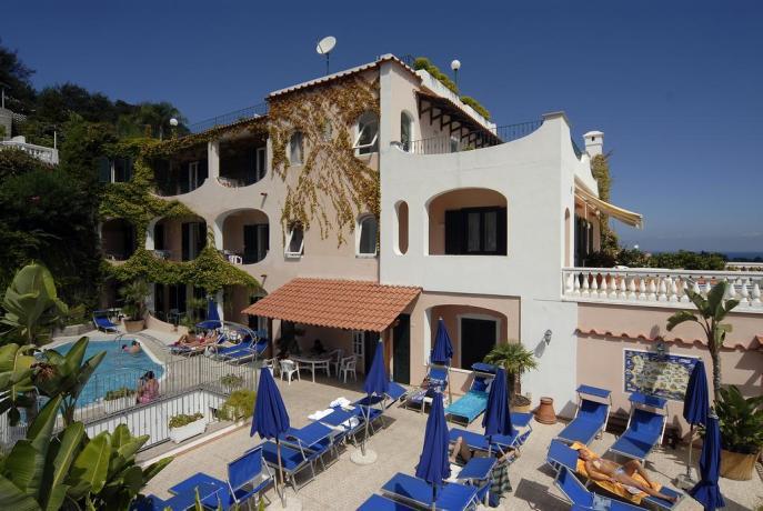 Hotel**** con Piscina a Ischia porto