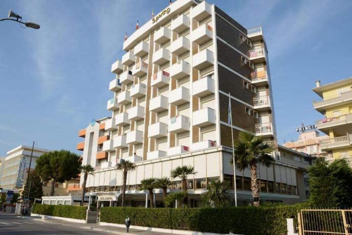 Hotel ad Alba Adriatica 3stelle, davanti al mare