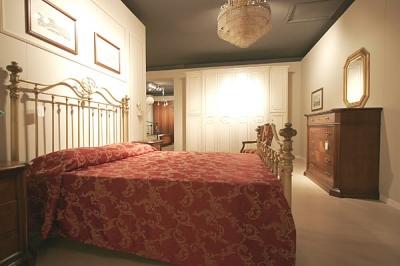 Letto matrimoniale in ottone camere da letto classiche e - Letto in ottone rovinato ...