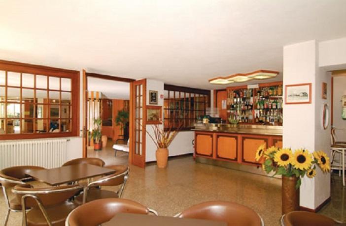 Hotel con Bar e colazione a Buffet
