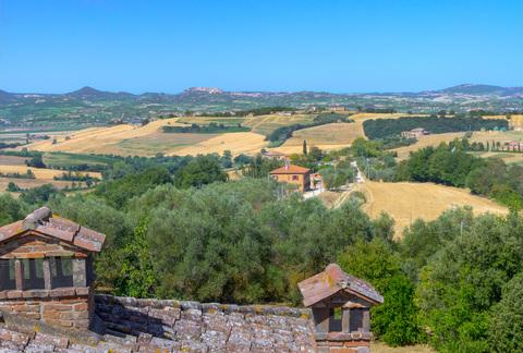 Casale tra Umbria e Toscana con vista
