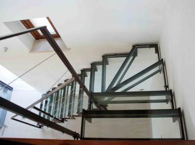 scala in ferro e vetro