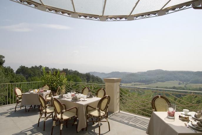 Terrazza in Romantico Resort nella Valle del Chianti