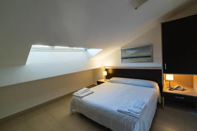 Appartamento Mansardato con Telefono e Balcone a Messina
