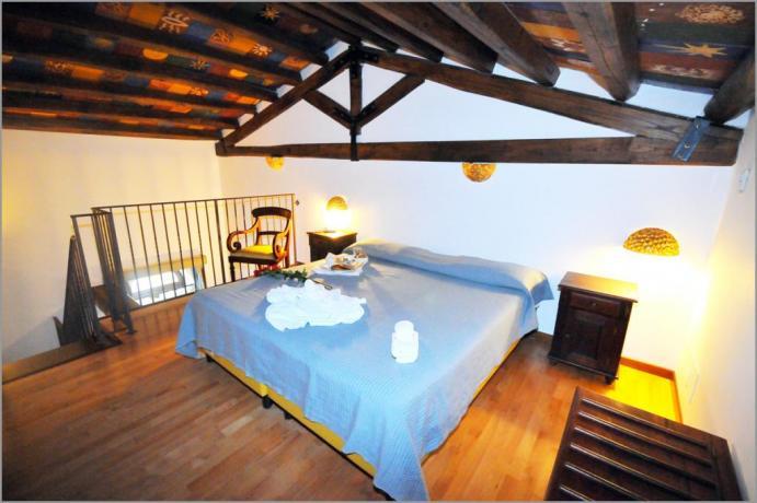 """Camere Alcamo, Suite 202 """"STANZA DEL SOLE"""""""