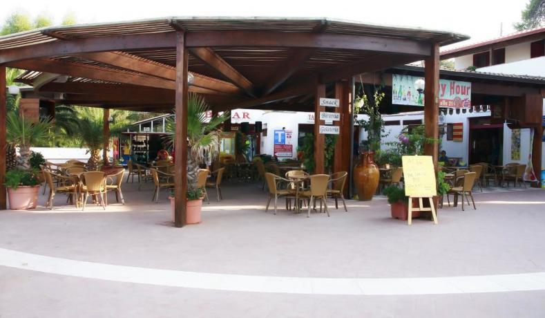 Tabacchi e supermercato in villaggio Peschici