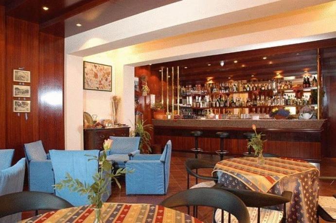 Hotel con bar a fiumalbo