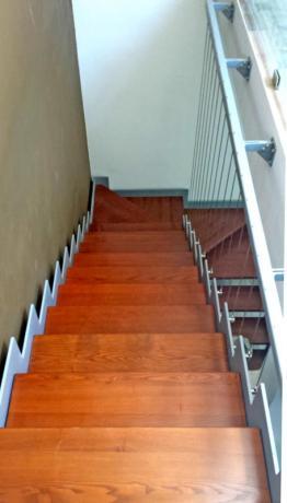 s84 scala a giorno gradini in legno ciliegio