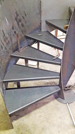 s100 scale in lamiera design industriale
