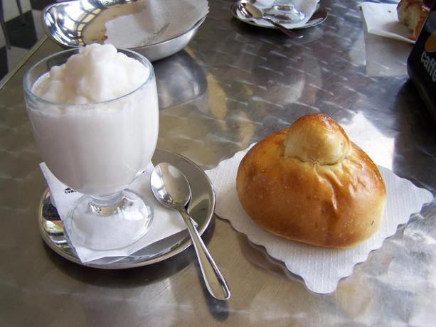 Brioches e gelato B&B Santa Venerina