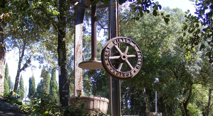 Resort immerso nel verde della Campagna Toscana