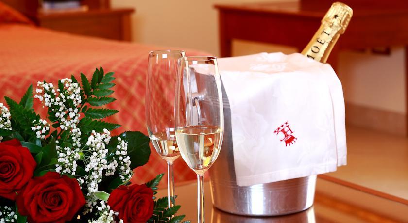 Champagne in camera ad Alcamo