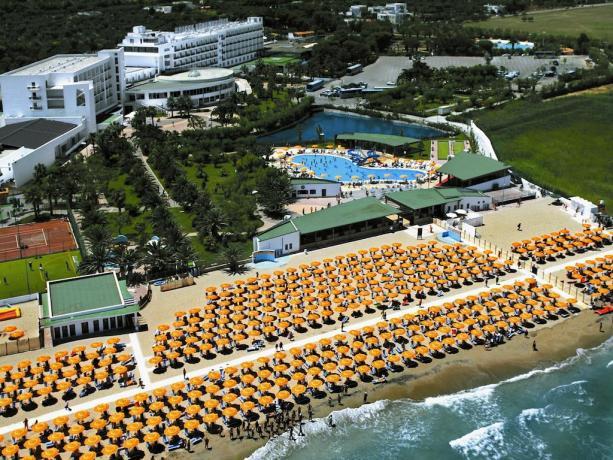Villaggio con Piscina Animazione SPA Spiaggia Sabbia IONIO