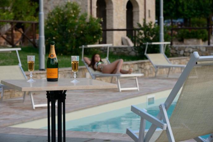 Casa Vacanze con piscina privata aperitivo