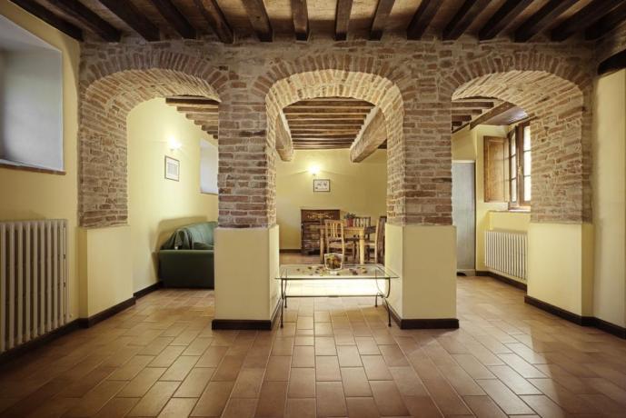 Salone con Wi-Fi per soggiorno relax in Umbria