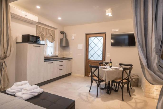 Appartamento con cucina per Cenetta Romantica