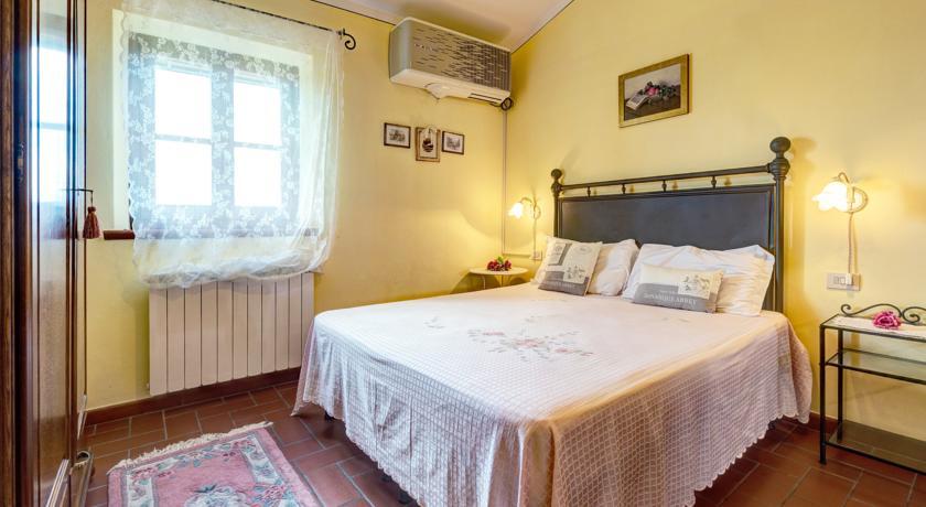 Camera Matrimoniale dell'appartamento vicino Valdichiana Agriturismo