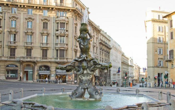 Piazza Barberini a 2 minuti dalle camere