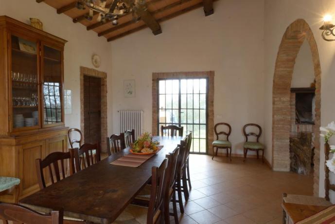 Salone per 15persone a Castiglione-del-Lago con cucina