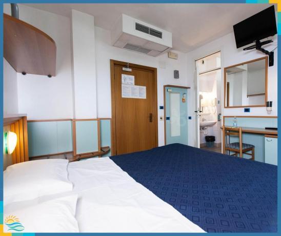 Hotel 3 stelle Pet Friendly con Piscina idromassaggio esterna, ideale per la vacanza con animali. Roseto Abruzzi.