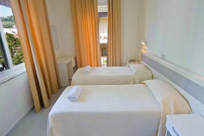 Hotel*** a Silvi, Quadrupla letti singoli vista mare
