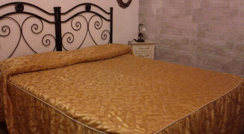 Camera matrimoniale, Villa privata colline romane