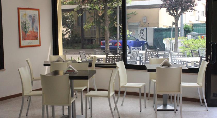 Hotel 3stelle con Parcheggio fronte Mare Rimini