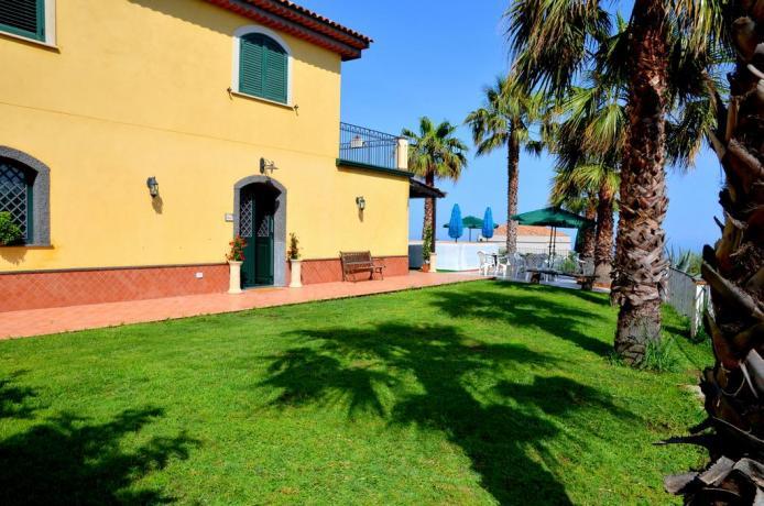 B&B con giardino e piscina a Santa Venerina