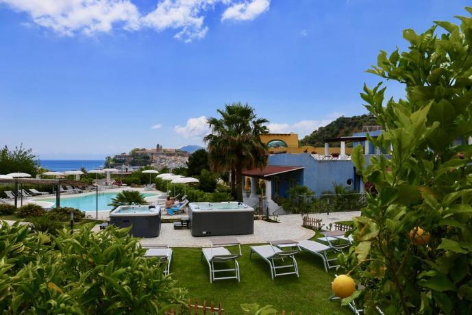 Hotel con Piscina a Lipari