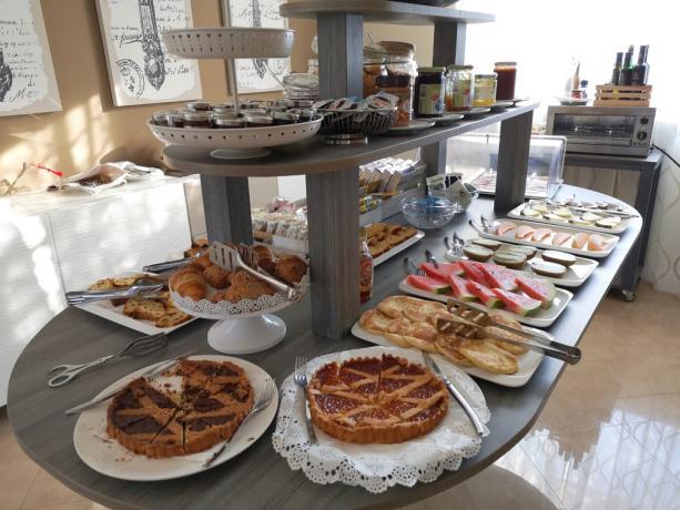 colazione buffet hotel 4 stelle cilento Ascea mare