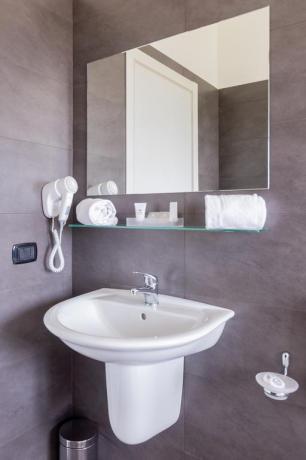 Albergo4stelle con bagno privato e asciugacapelli Casapulla