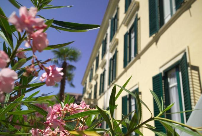 Hotel a Fiuggi con cortile esterno