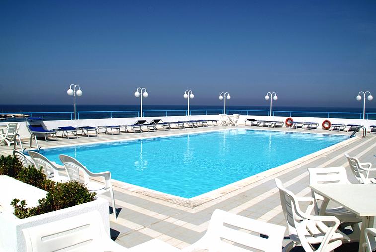 torrecanne-salentohotel4stelle-fasanobeach-spiaggiaprivata-ristorante-piscina-e-animazione