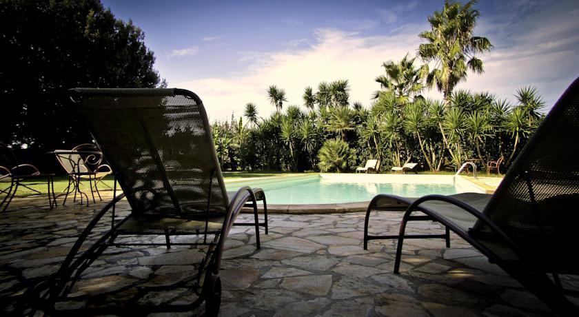 Camere e suite con vasca idromassaggio nel salento agriturismo masseria - Masseria con piscina salento ...